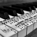Piano_Keyboard_Close_Up_Black_and_White_Photography_Desktop_Wallpaper-HidefWall.Blogspot.Com_ (1)